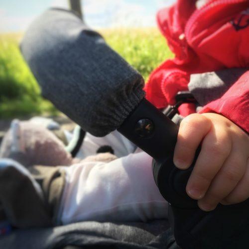 Unterwegs mit Baby – Was muss alles mit für den Familien Ausflug?